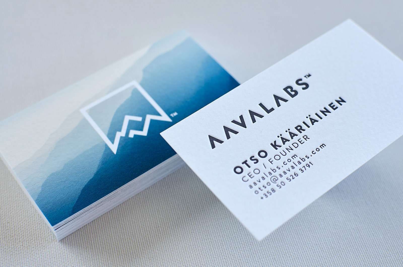 business card with stunning background  elegante press